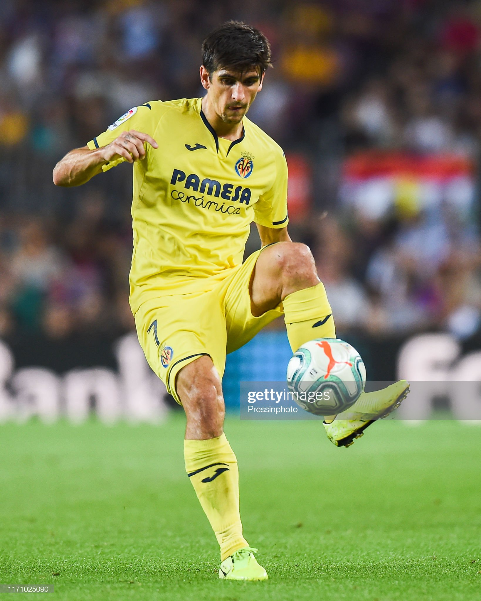 ¿Cuánto mide Gerard Moreno? - Altura Gerard-moreno-of-villarreal-cf-during-the-liga-match-between-and-on-picture-id1171025090?s=2048x2048
