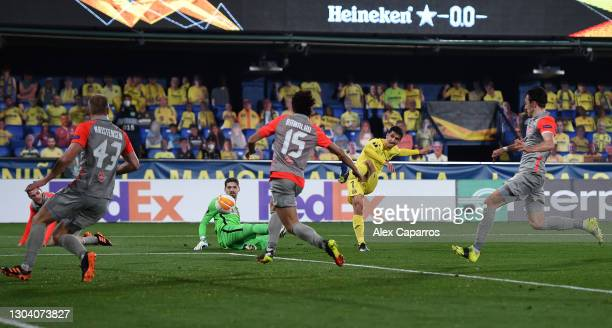 Gerard Moreno of Villarreal scores their team's first goal during the UEFA Europa League Round of 32 match between Villarreal CF and RB Salzburg at...