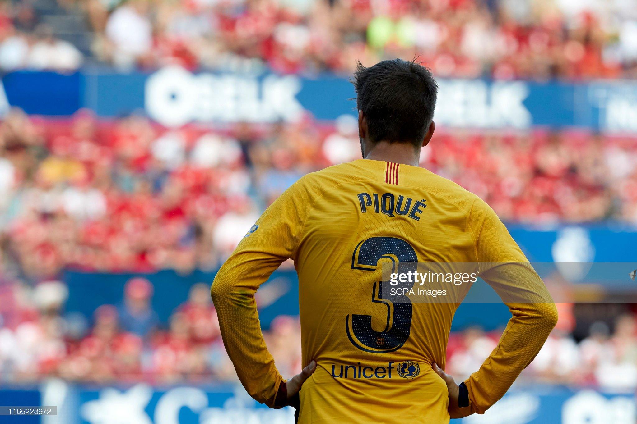 صور مباراة : أوساسونا - برشلونة 2-2 ( 31-08-2019 )  Gerard-piqu-in-action-during-the-spanish-la-liga-santander-match-ca-picture-id1165223972?s=2048x2048