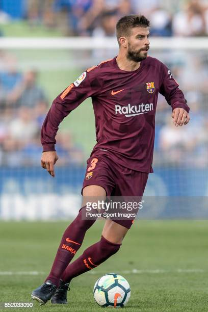 Gerard Pique Bernabeu of FC Barcelona in action during the La Liga 201718 match between Getafe CF and FC Barcelona at Coliseum Alfonso Perez on 16...