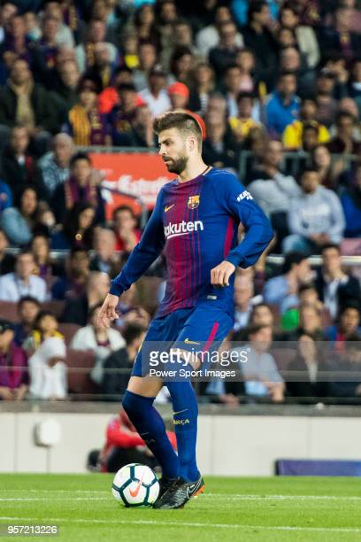 Gerard Pique Bernabeu of FC Barcelona in action during the La Liga match between Barcelona and Real Madrid at Camp Nou on May 6 2018 in Barcelona...