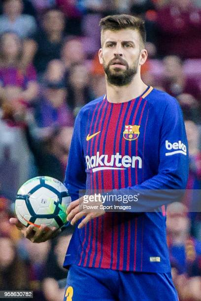 Gerard Pique Bernabeu of FC Barcelona reacts during the La Liga 201718 match between FC Barcelona and Villarreal CF at Camp Nou on May 09 2018 in...