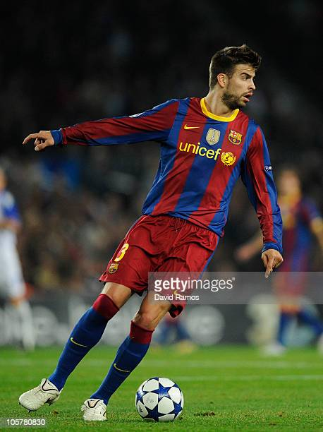 Gerard Pique of Barcelona controls the ball during the UEFA Champions League group D match between Barcelona and FC Copenhagen at the Camp nou...