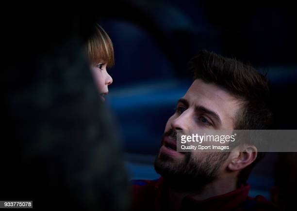 Gerard Pique of Barcelona with his kid prior the La Liga match between Barcelona and Athletic Club at Camp Nou on March 18 2018 in Barcelona Spain