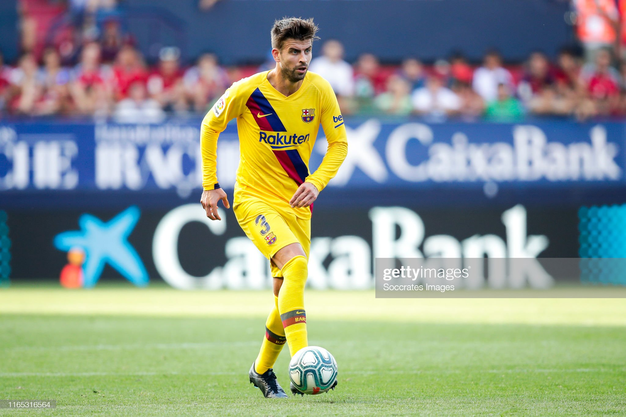 صور مباراة : أوساسونا - برشلونة 2-2 ( 31-08-2019 )  Gerard-pique-of-fc-barcelona-during-the-la-liga-santander-match-v-picture-id1165316564?s=2048x2048