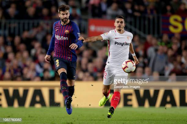 Gerard Pique of FC Barcelona Franco Vazquez of Sevilla FC during the La Liga Santander match between FC Barcelona v Sevilla at the Camp Nou on...