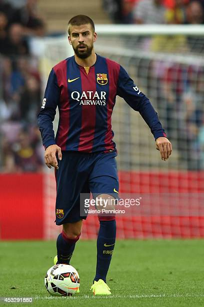 Gerard Pique of FC Barcelona in action during the preseason friendly match between FC Barcelona and SSC Napoli on August 6 2014 in Geneva Switzerland