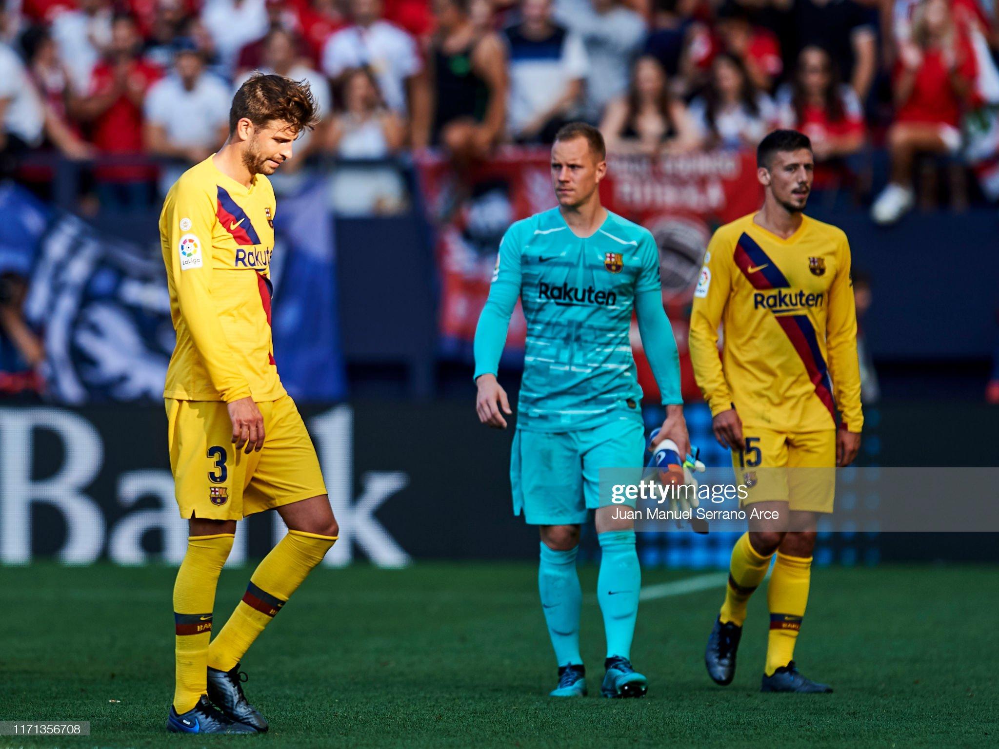 صور مباراة : أوساسونا - برشلونة 2-2 ( 31-08-2019 )  Gerard-pique-of-fc-barcelona-reacts-during-the-liga-match-between-ca-picture-id1171356708?s=2048x2048