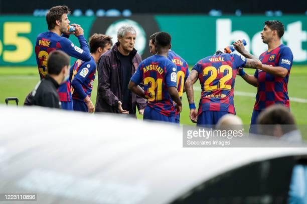 Gerard Pique of FC Barcelona Riqui Puig of FC Barcelona coach Quique Setien of FC Barcelona Ansu Fati of FC Barcelona Lionel Messi of FC Barcelona...
