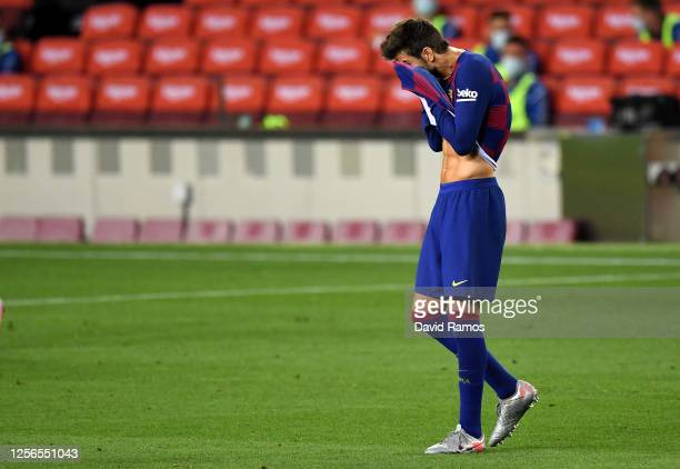 Gerard Pique of FC Barcelona shows his disappointment during the Liga match between FC Barcelona and CA Osasuna at Camp Nou on July 16, 2020 in...