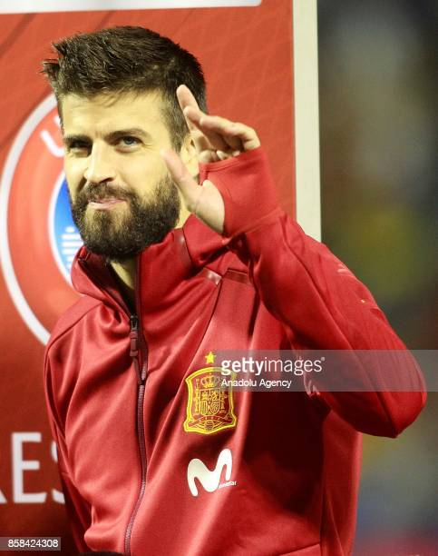 Gerard Pique of Spain gestures ahead of the FIFA 2018 World Cup Qualifier between Spain and Albania at Rico Perez Stadium on October 6 2017 in...