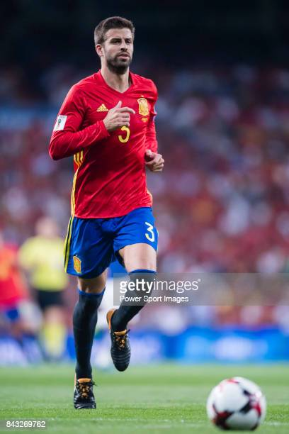 Gerard Pique of Spain in action during the 2018 FIFA World Cup Russia Final Qualification Round 1 Group G match between Spain and Italy on 02...