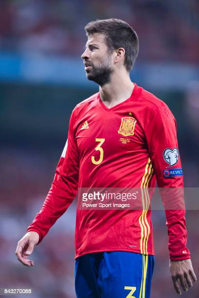 Gerard Pique of Spain reacts during the 2018 FIFA World Cup Russia Final Qualification Round 1 Group G match between Spain and Italy on 02 September...