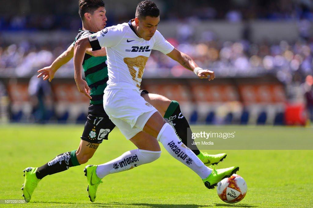 Pumas UNAM v Santos Laguna - Torneo Apertura 2018 Liga MX : Fotografía de noticias