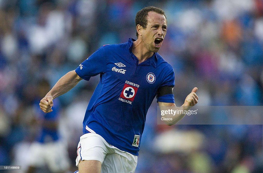 Cruz Azul v Pachuca - Apertura 2012