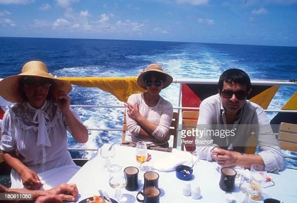 Gerd Baltus Name auf Wunsch Kreuzfahrt MS Astor Meer Schiff Kreuzfahrtschiff Sonnenbrille Sonnenhut Becher Getränk Reling A