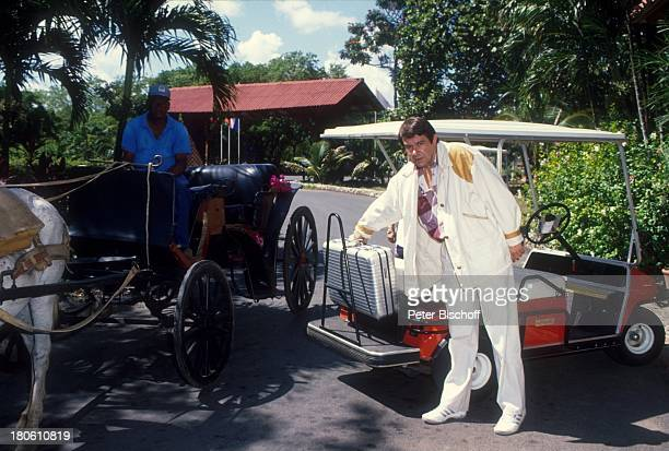 Gerd Baltus ZDFSerie Urlaub mal ganz anders Dominikanische Republik/Karibik Pferdekutsche Golfwagen