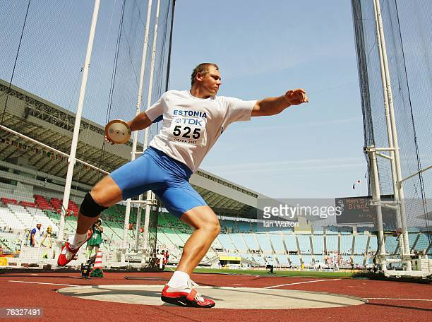 Gerd Kanter of Estonia competes during the Men's Discus Throw qualifications on day two of the 11th IAAF World Athletics Championships on August 26...