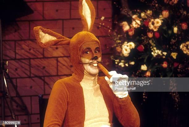 Gerd Vespermann als Bugs Bunny Hase Verkleidung Maskerade Kostümiert Kostüm geschminkt PNr 100/03