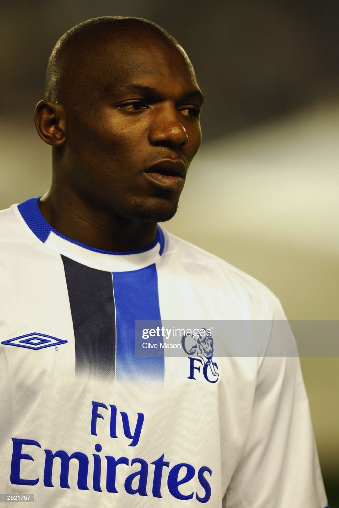 Geremi of Chelsea during the team line-up : News Photo