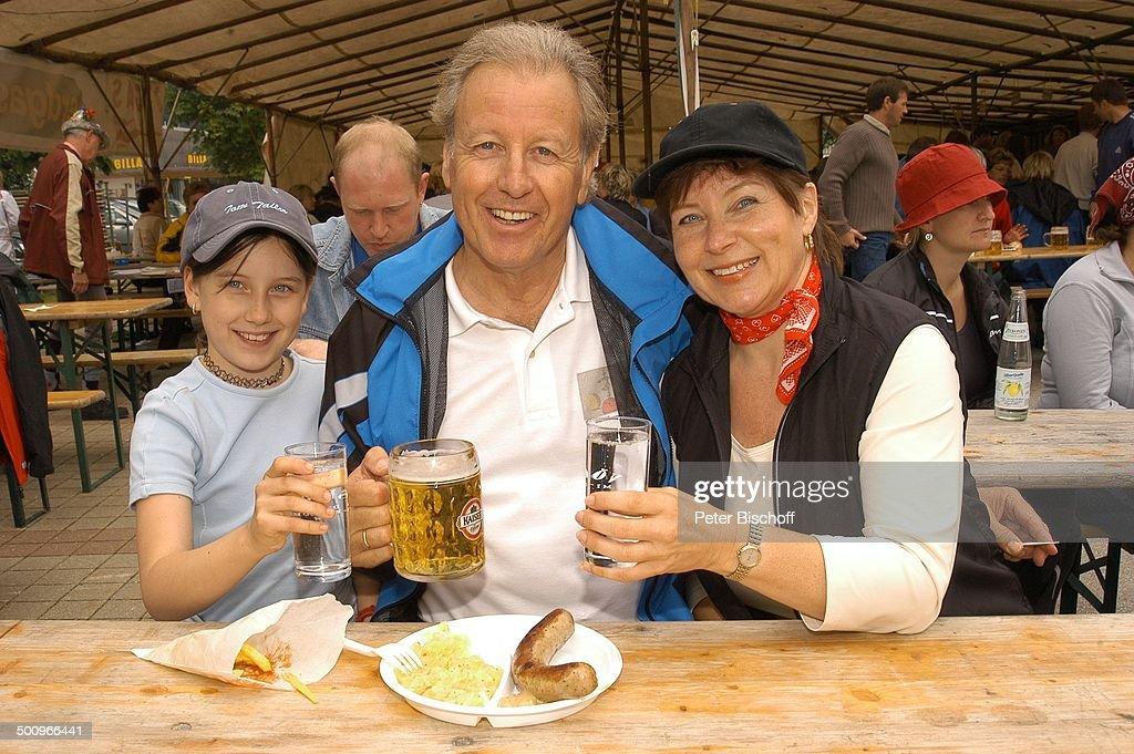 Gerhart Lippert, Ehefrau Maria Lippert, Tochter Katharina Lippert, 1 ...