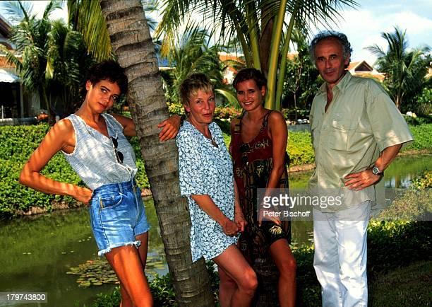 Gerit Kling Margarita Schwester Anja Kling und Vater Ulrich Insel Koh Samui /Thailand Hotel Santiburi Dusit Urlaub Familie Schauspielerin
