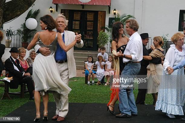 Gerit Kling Peter Gavajda Patricia Wolff Sigmar Solbach Statisten Dreharbeiten zum ARDFilm Am Kap der Liebe Unter der Sonne Uruguays alter Titel Das...