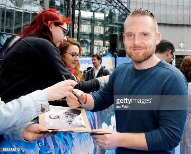 German actor Axel Stein during the 'Die Schluempfe Das verlorene Dorf' premiere at Sony Centre on April 2 2017 in Berlin Germany