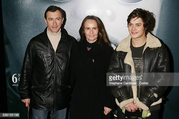 German actor Christophe Malavoy and his wife Isabelle and French actor Aurélien Wiik arrive at the premiere of Martin Scorcese's movie The Aviator