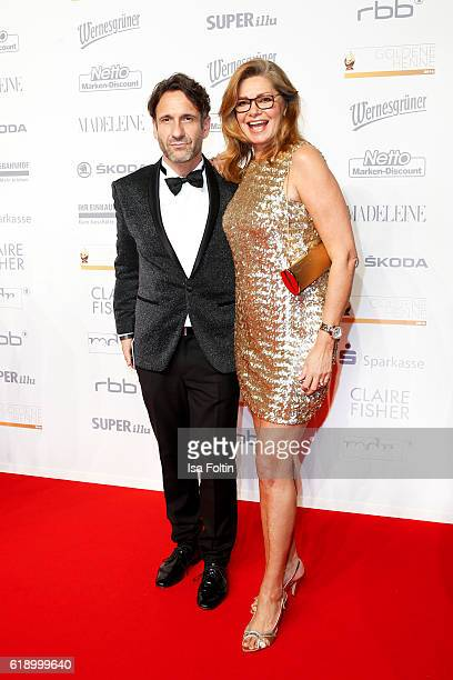German actor FalkWilly Wild and german actress Maren Gilzer attend the Goldene Henne on October 28 2016 in Leipzig Germany