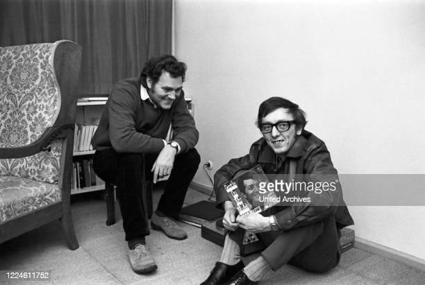 German actor Harald Leipnitz with photographer Heinz Browers, Germany, 1960s.