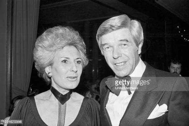 German actor Heinz Drache with his wife Rosemarie Nordmann at the Deutscher Filmball on January 16th 1976 at Munich Germany 1970s
