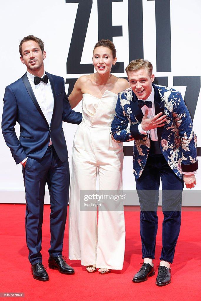 'Unsere Zeit ist jetzt' World Premiere In Berlin : News Photo
