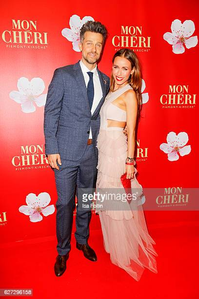 German actor Wayne Carpendale and his wife german moderator Annemarie Carpendale attend the Mon Cheri Barbara Tag at Postpalast on December 2 2016 in...