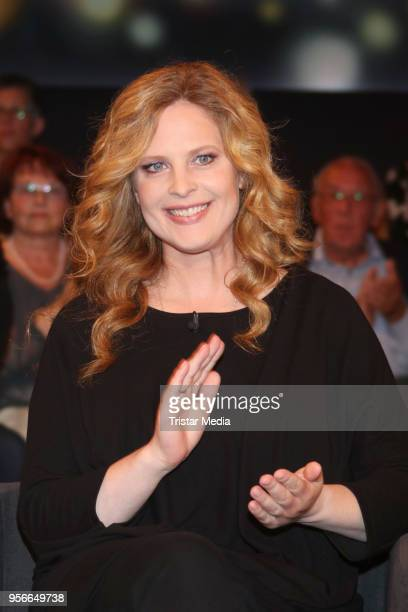 German actress Diana Amft attends the photo call for the tv show 'Tietjen und Bommes' on May 9 2018 in Hamburg Germany