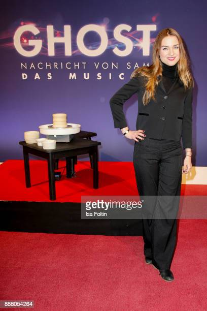 German actress Josephin Busch during the premiere of 'Ghost Das Musical' at Stage Theater on December 7 2017 in Berlin Germany