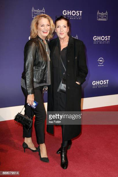 German actress Katy Karrenbauer and guest during the premiere of 'Ghost Das Musical' at Stage Theater on December 7 2017 in Berlin Germany