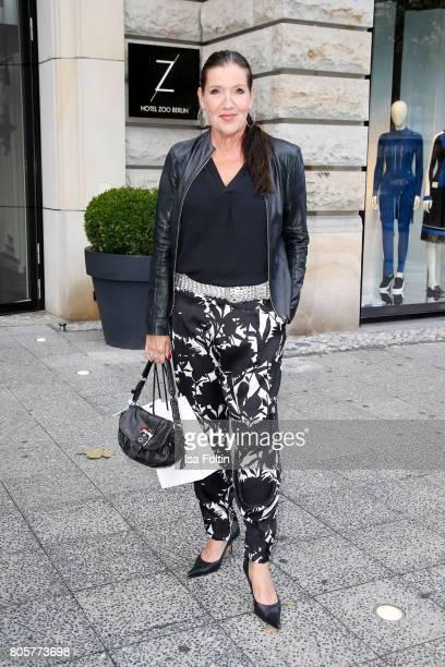 German actress Katy Karrenbauer during the host of Annabelle Mandengs Ladies Dinner at Hotel Zoo on July 2 2017 in Berlin Germany