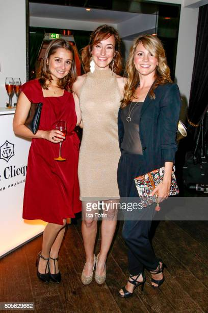 German actress Sarah Alles German actress Maike von Bremen and German actress Luise Baehr during the host of Annabelle Mandengs Ladies Dinner at...