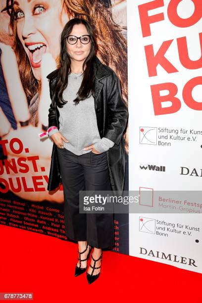 German actress Simone Thomalla attends the 'FotoKunstBoulevard' opening at MartinGropiusBau on May 4 2017 in Berlin Germany