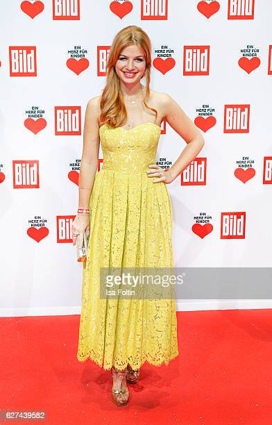 German actress Susan Sideropoulos attends the Ein Herz Fuer Kinder gala on December 3 2016 in Berlin Germany
