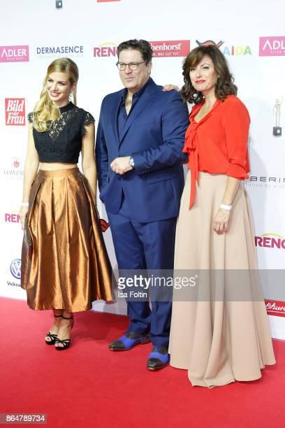 German actress Susan Sideropoulos German actor Francis Fulton Smith and German actress Carolina Vera attend the 'Goldene Bild der Frau' award at...