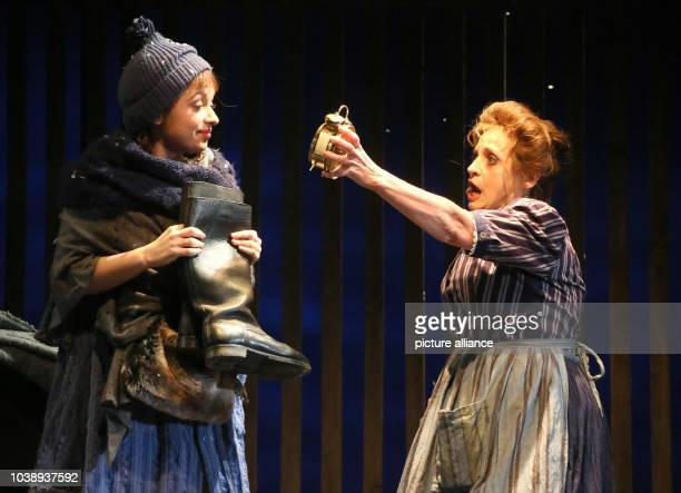 German actresses Katharina Thalbach and Nellie Thalbach rehearse the piece 'Roter Hahn im Biberpelz' at the Komoedie am Kurfuerstendamm theatre in...