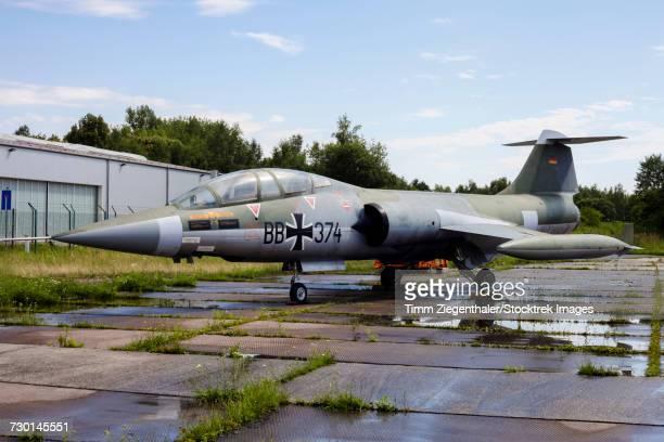 a german air force tf-104g starfighter. - bundeswehr stock-fotos und bilder