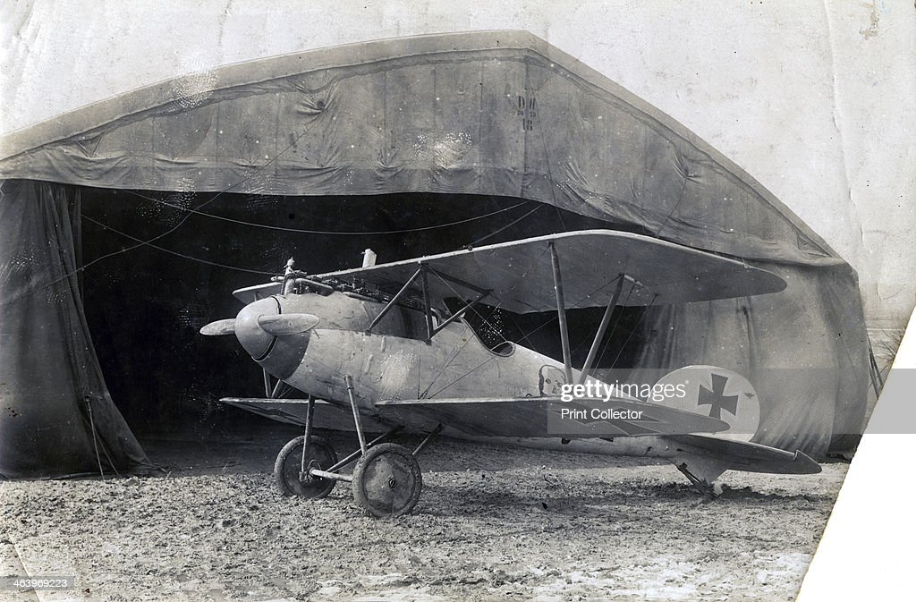 German Albatros DV, Souilly, France, 2 January 1918. : News Photo