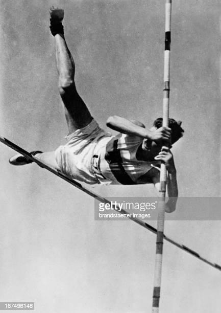 German athlete HansHeinrich Sievert at his pole vault during his decathlon world record in Hamburg 8th July 1934 Photograph Der deutsche Leichtathlet...