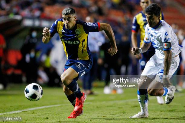 German Berterame of Atletico San Luis competes for the ball with Kevin Ramirez of Queretaro during a second round match in the Torneo Grita Mexico...