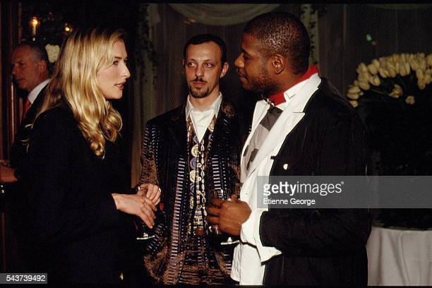German born supermodel and actress Tatjana Patitz French singer and composer Tom Novembre and actor Forest Whitaker on the set of the film...