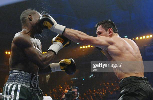 German boxer Felix Sturm and his challenger Randy Griffin of the US exchange punches during their WBA middleweight world champion fight 20 October...