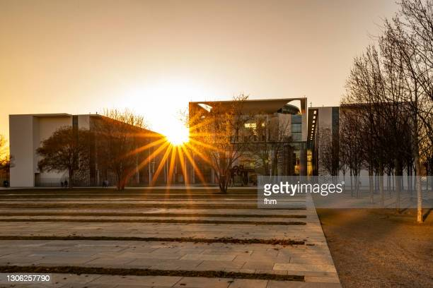 german chancellery at sunset (berlin, germany) - german chancellery stock pictures, royalty-free photos & images